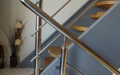 Μεταλλική σκάλα